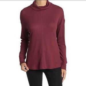 NWOT Sanctuary Mock Neck Waffle Knit Red Silky Model Knit Tunic Top. Small S